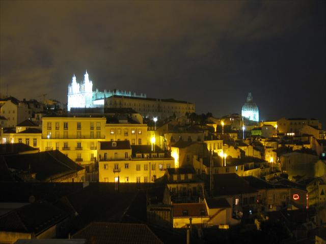 Lison skyline at night.